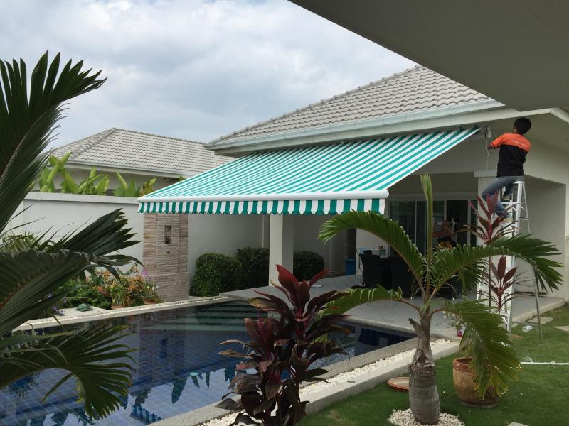 Retractable-Awning-Slide-img-01